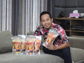 Denny Cagur: Profil, Biografi, Fakta Terkini