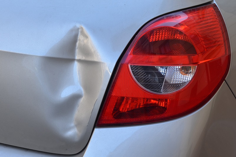 Panduan Cara Memperbaiki Mobil Penyok dan Biaya Terlengkap