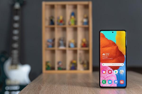 Impresi Pertama Ponsel Galaxy A51