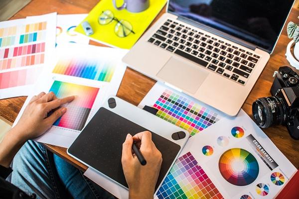 Bisnis Layanan Desain Grafis dari Rumah