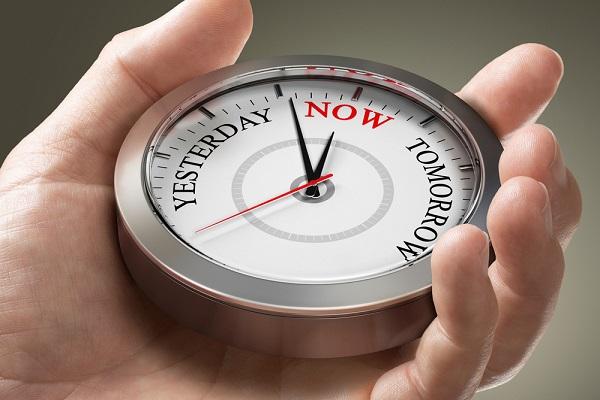 Fokus pada Saat Ini, Bukan Masa Lalu atau Mengkhawatirkan Masa Depan