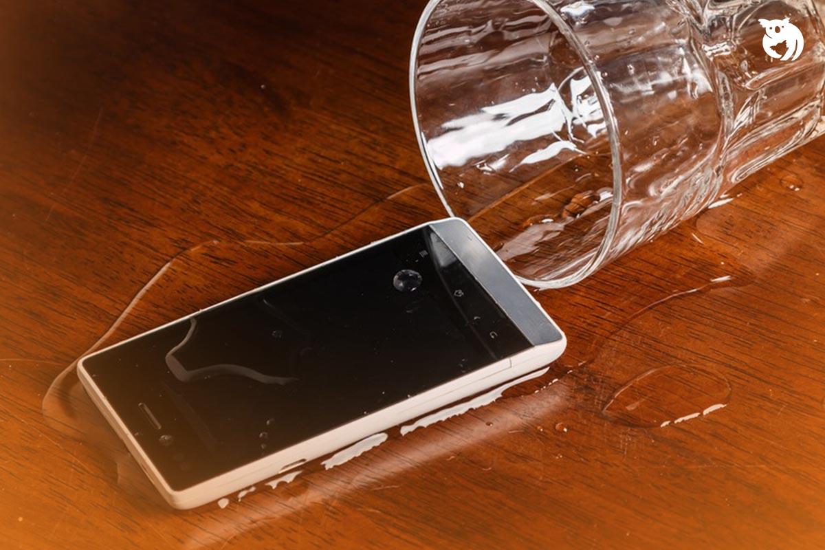 Cara Mengatasi HP Kemasukan Air yang Paling Efektif