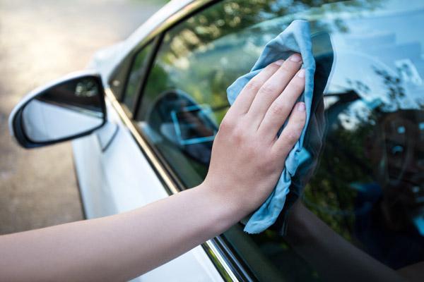 cara menghilangkan jamur kaca mobil dengan benar