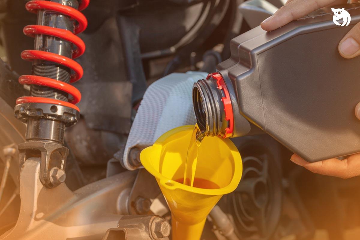 Rekomendasi dan Tips Memilih Oli Motor Terbaik Agar Tetap Awet