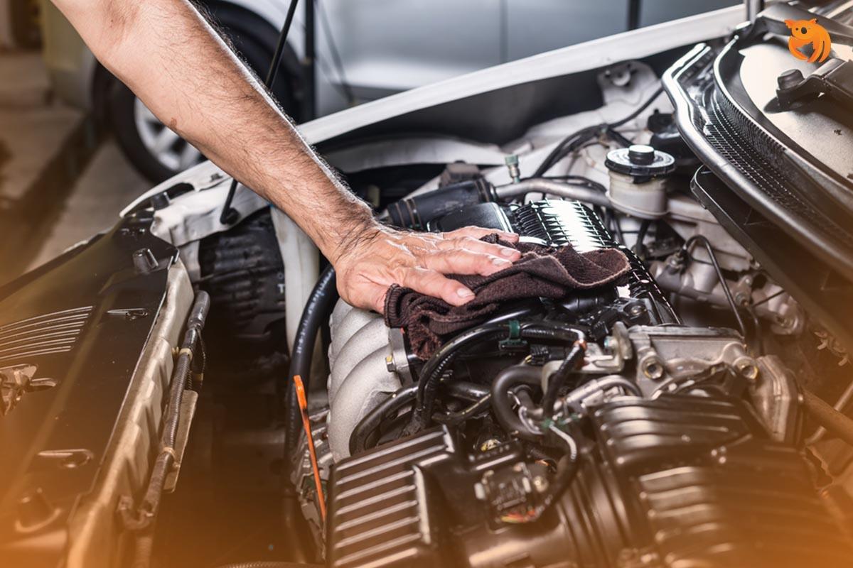 12 Cara Membersihkan Mesin Mobil Sampai Kinclong