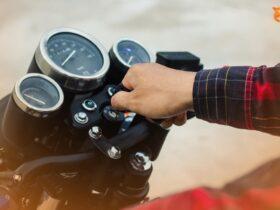 Beragam Penyebab Motor Mogok & Cara Mengatasinya!